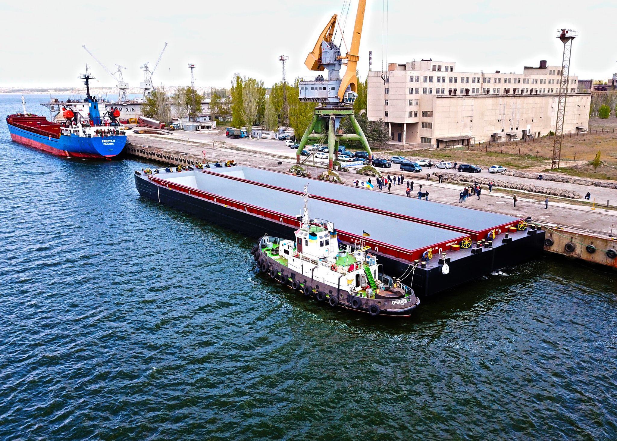 """""""Океан"""" відправив дві баржи Touax 191 та Touax 192 для компанії Eurobulk"""